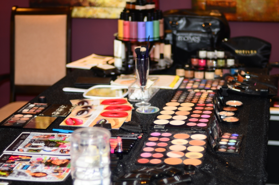 Motives Make Up Party