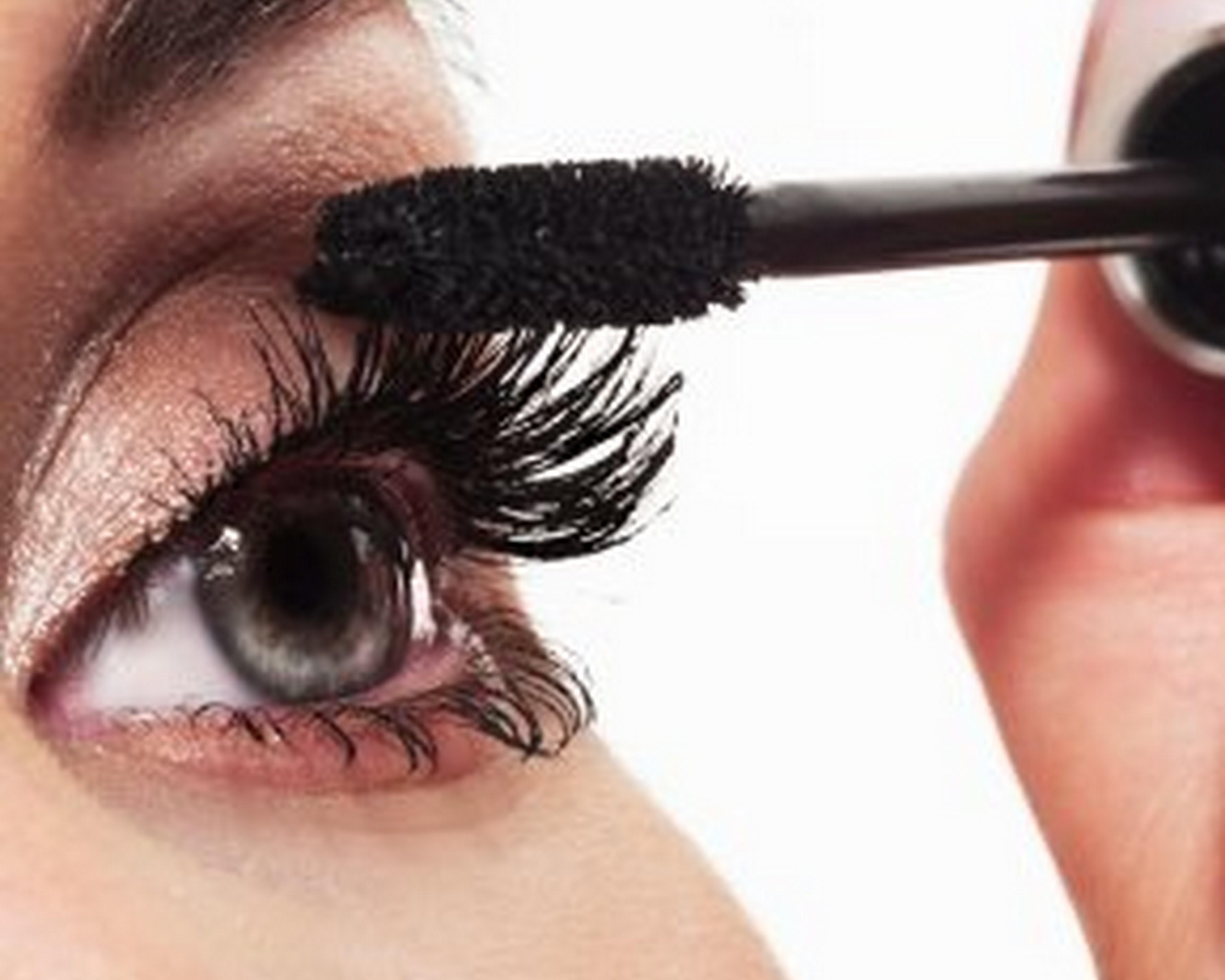 Eye With Mascara image