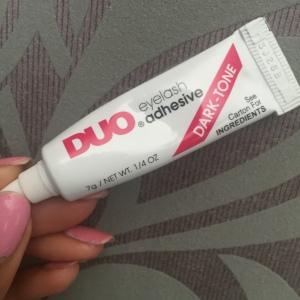DUO Eyelash Glue in Dark Tone